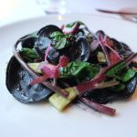 イカスミのラビオリ 鴨肉/弦紫 ¥1800